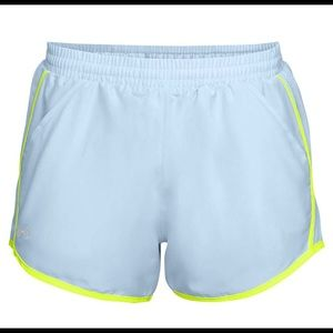 NWT Ladies Under Armour shorts - Size XL